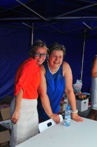 na zdjęciu dwie wolontariuszki